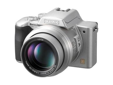 Digitalni fotoaparat Panasonic Lumix DMC-FZ20 (srebrn)